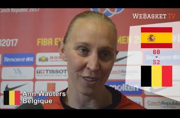 Ann Wauters devant les journalistes après Espagne-Belgique