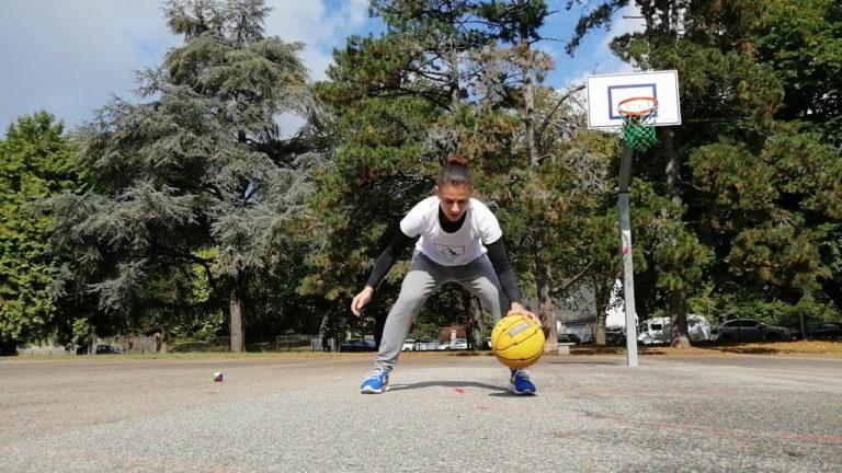 melissa micaletto entraine son dribble basket en solo
