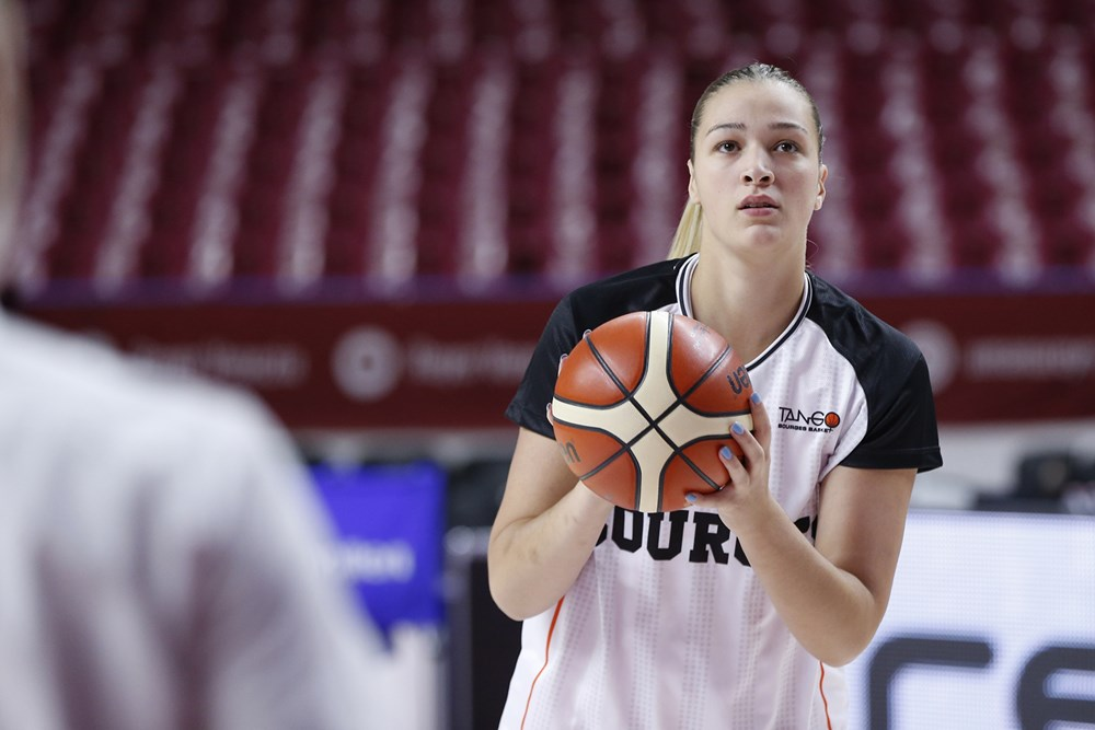 Alexia Chartereau avant le match Reyer Venise vs Tango Bourges en Euroleague 2019-2020