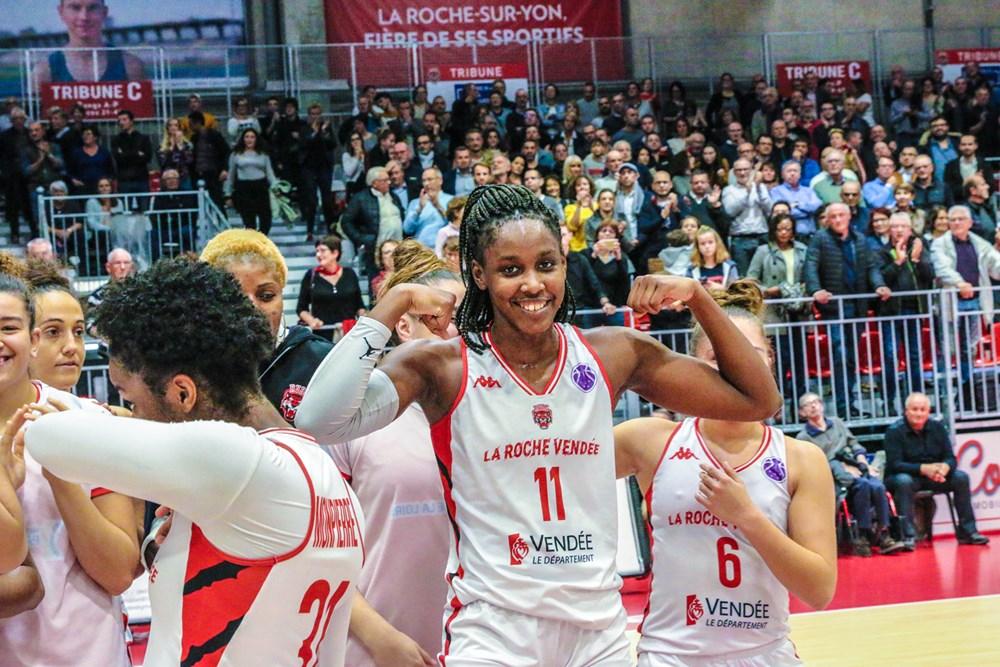 Kendra Chery après le match d'Eurocup entre La Roche Vendée et Elfic Fribourg dans lequel elle réalisa un double-double - source image FIBA